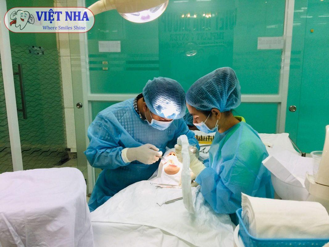 Hình ảnh Cắm ghép Implant thực tế tại Nha Khoa Việt Nha