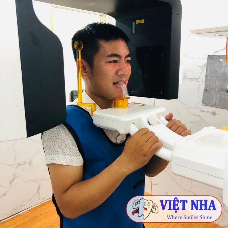 Chụp CT để tư vấn cụ thể hơn cho khách hàng tại Nha Khoa Việt Nha